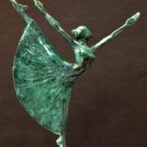 danseuse elancée 35 X 25 X 12